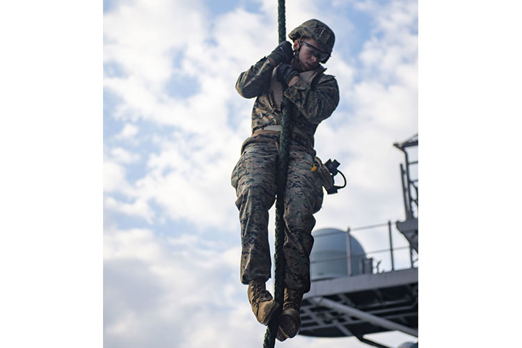 31st MEU conducts fast rope exercise