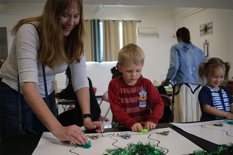 USO Foster hosts L.E.A.P. family-activity program