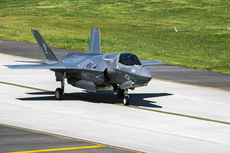 An F-35B Lightning II with Marine Fighter Attack Squadron 121 departs Marine Corps Air Station Iwakuni, Japan, Sept. 18, 2017. An F-35B with the same squadron was damaged by a birdstrike at Iwakuni on May 7, 2019. (AARON HENSON/U.S. MARINE CORPS)