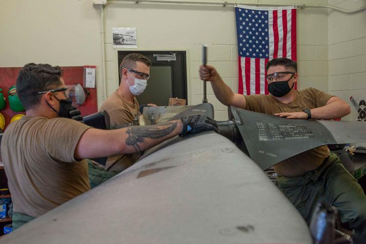 U.S. Navy photo by Mass Communication Specialist 1st Class David R. Krigbaum