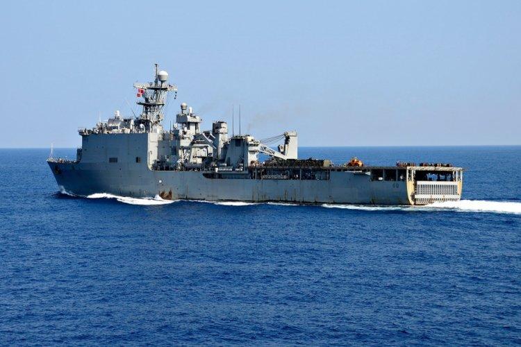 U.S. Navy photo by Mass Communication Specialist 1st Class Daniel Barker