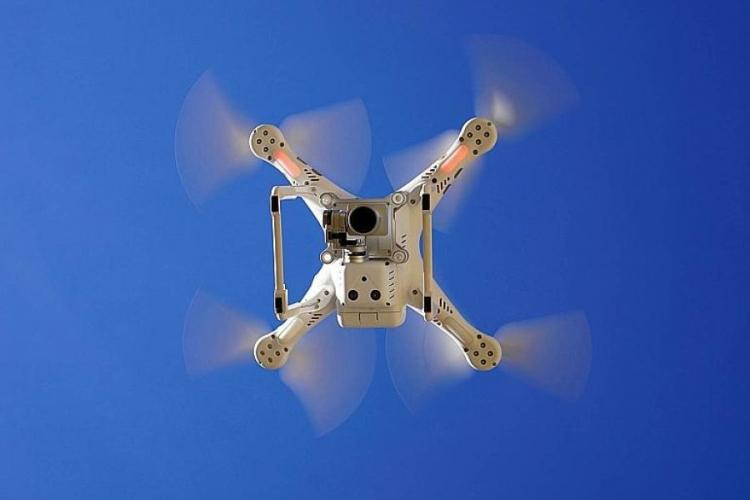 People caught flying drones over or near U.S. military bases in Japan could face up to a year in prison and fines as much as $4,472 under a planned law change.  COURTESY OF PIXABAY