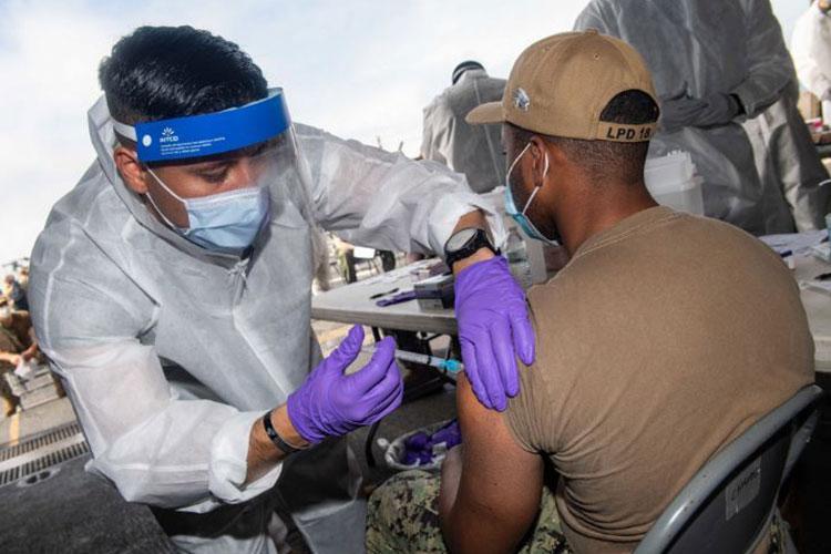 U.S. Navy photo by Mass Communication Specialist 2nd Class Kelby Sanders