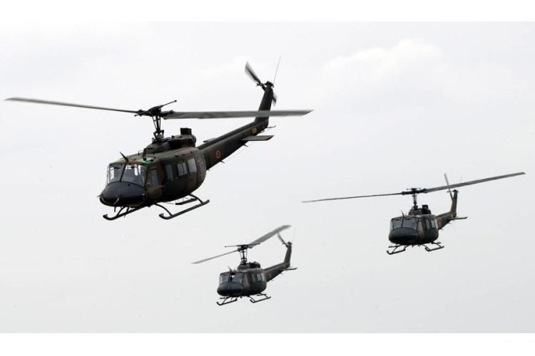 UH-1Js from the Japan Ground Self-Defense Force fly in formation over Camp Tachikawa in western Tokyo, Oct. 1, 2016. (YASUO OSAKABE/U.S. AIR FORCE)